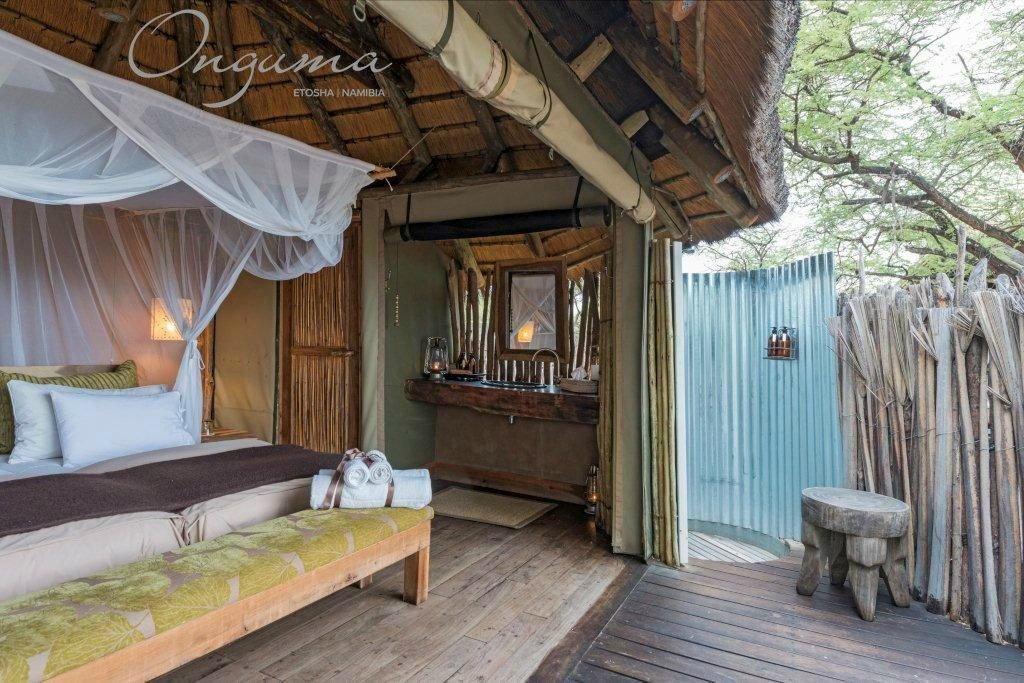Outdoor shower at Onguma Tree Top camp stilt room
